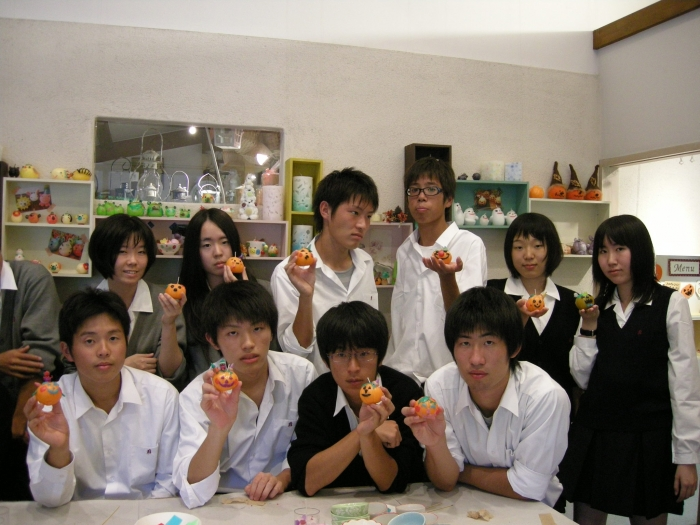 名古屋市立向陽高等学校制服画像